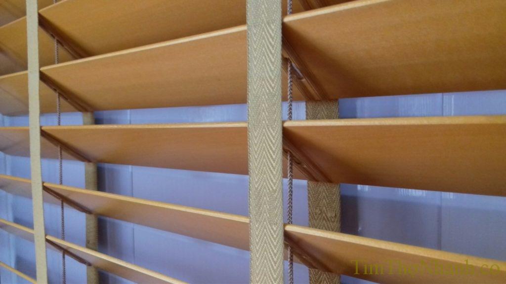 Sửa rèm gỗ đứt dây, thay mới dây rèm gỗ giá 150,000đ/bộ