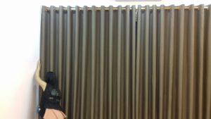 Lắp rèm vải cho cửa kính