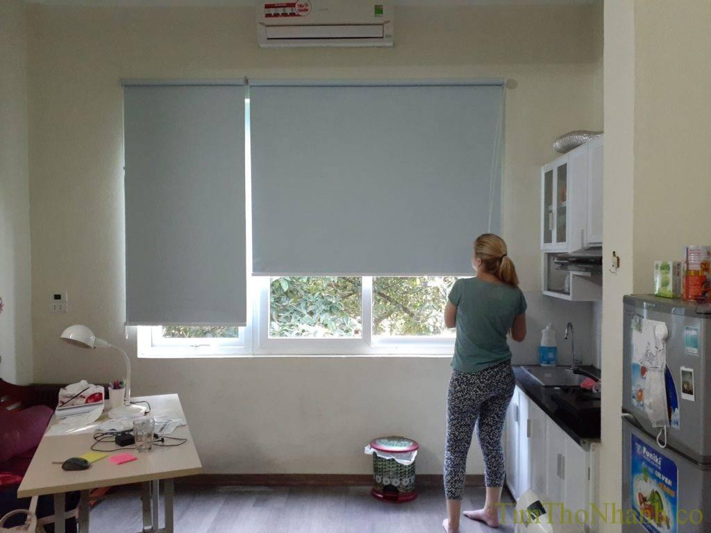 sửa chữa rèm cuốn, thay dây rèm cuốn hoặc căn chỉnh rèm lệch, lắp rèm rơi giá 150k/bộ