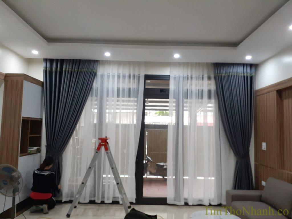 lắp rèm vải 2 lớp hoặc 1 lớp theo yêu cầu 150k/bộ