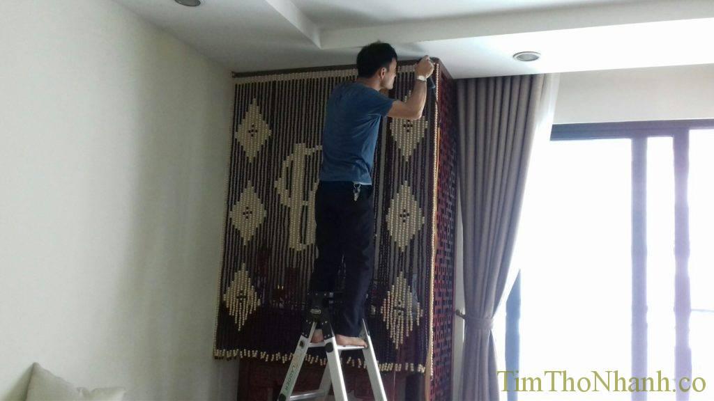 bên cạnh rèm gỗ chúng em còn lắp rèm hạt gỗ phòng thờ tôn nghiêm và sang trọng