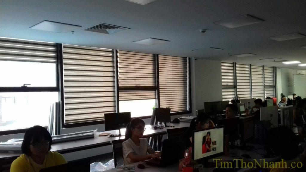rèm cầu vồng hàn quốc lắp tại phòng làm việc cản sáng không bị lóa